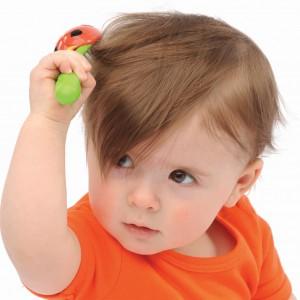 Уход за волосами ребенка для профилактики появления перхоти