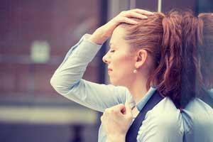 Стресс - причина боли корней волос