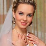 Какую же свадебную прическу сделать на короткие волосы?