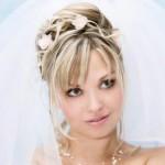 Ваша особенная свадебная прическа на средние волосы