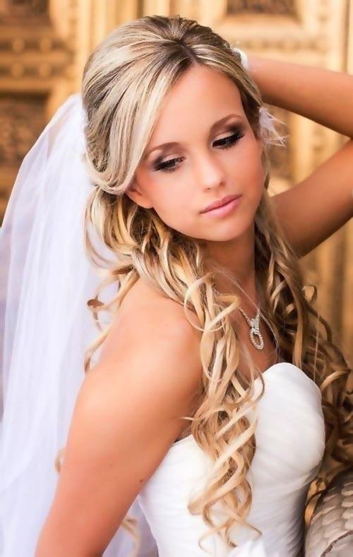 Варианты свадебной укладки на распущенные пряди