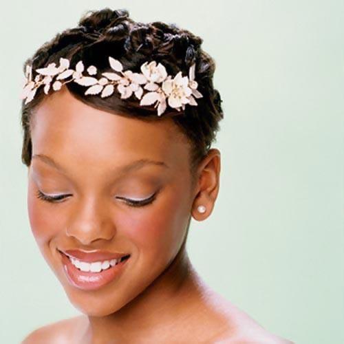Красивое украшение для коротких волос