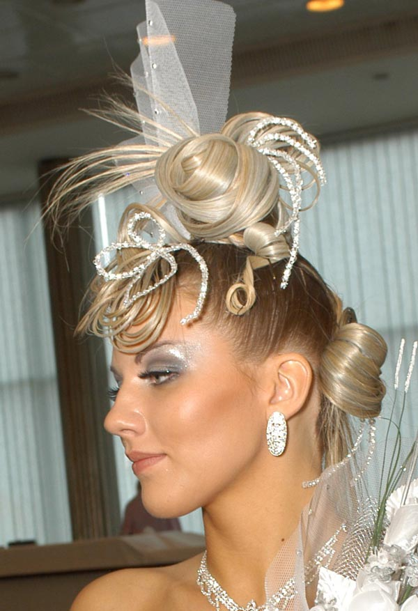 Креативная укладка волос невесты