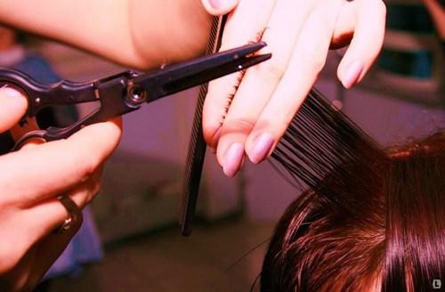 Достоинства и недостатки стрижки горячими волосами