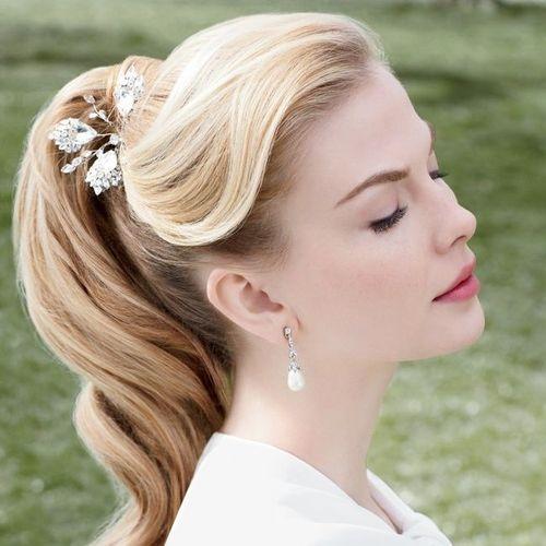 Прическа для средней длины волос фото невеста